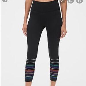 Gapfit blackout tech striped leggings